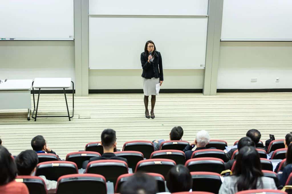 Kobieta wykładowczyni